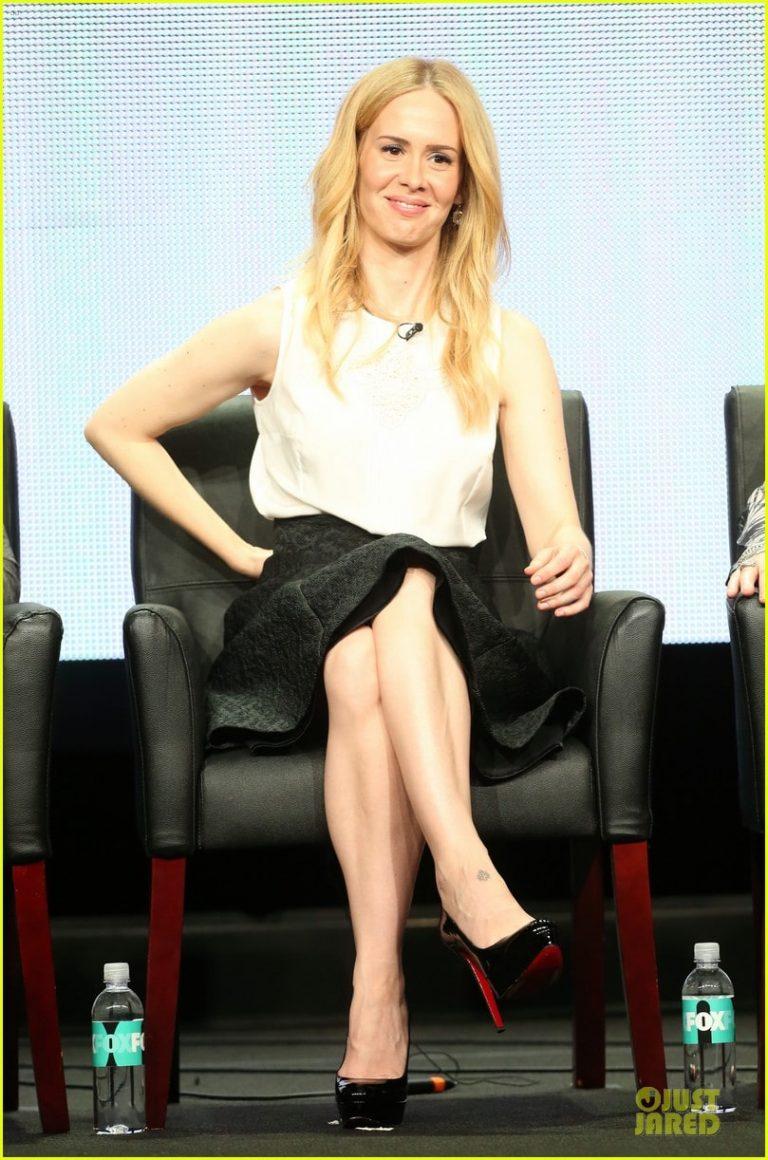 sarah paulson sexy feet pics