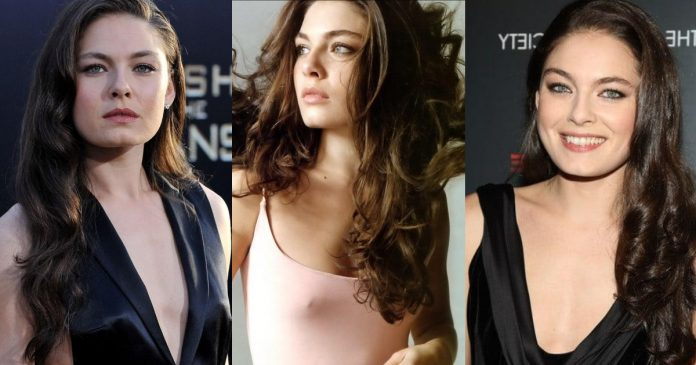 61 Sexiest Alexa Davalos Boobs Pictures Show Off Her Awesome Bosoms
