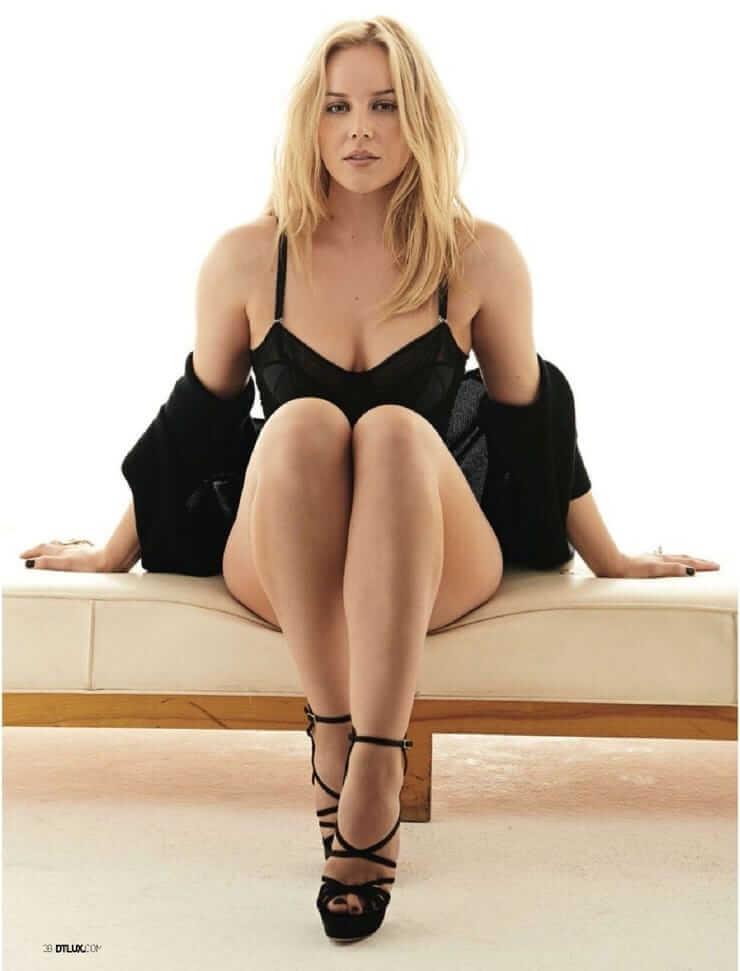 Abbie Cornish sexy busty pics