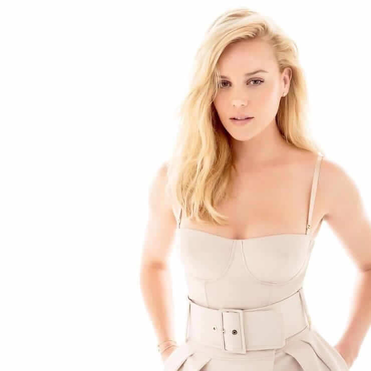 Abbie Cornish sexy look pics