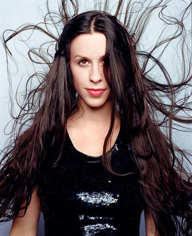Alanis Morissette hot look (1)