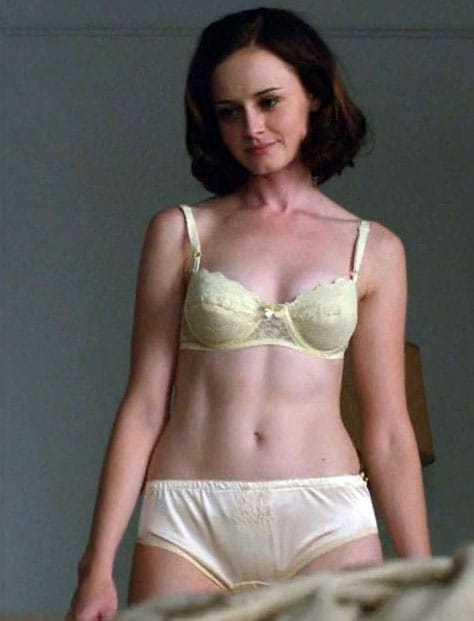 Alexis Bledel hot bikini pictures (2)