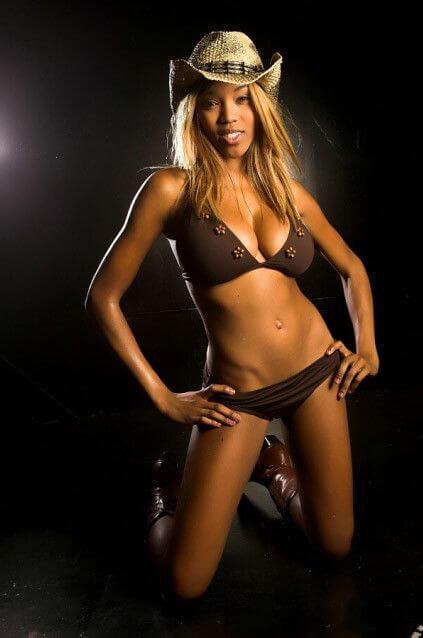 Alicia Fox hot bikini pics (2)