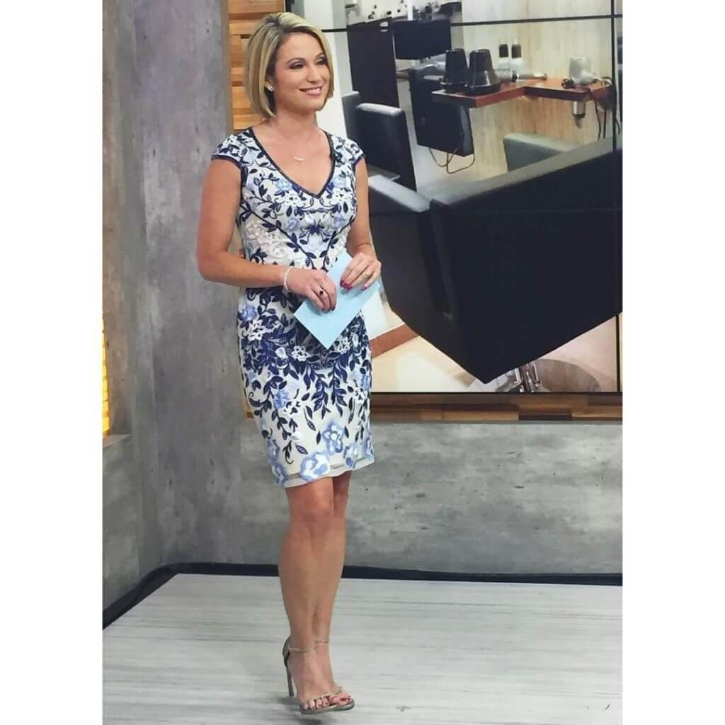 Amy Robach side butt pics