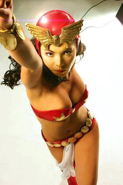 Angel Locsin bikini (2)