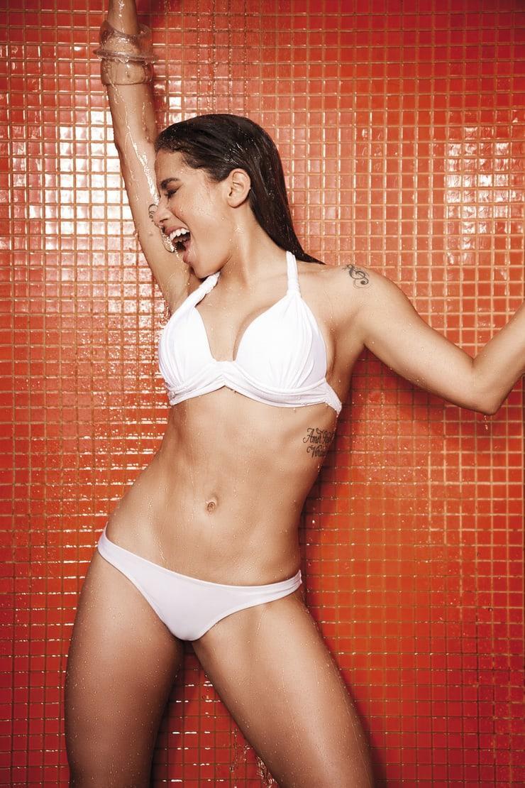 Anitta sexy bikini pics