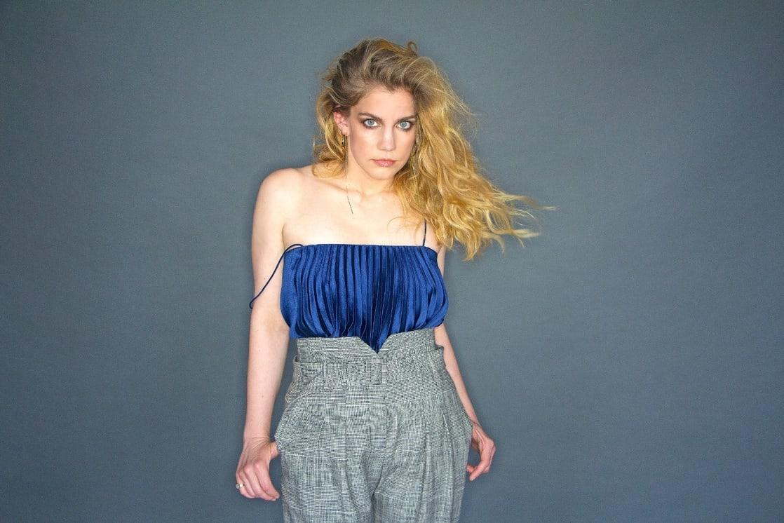 Anna Chlumsky awesome pic (2)