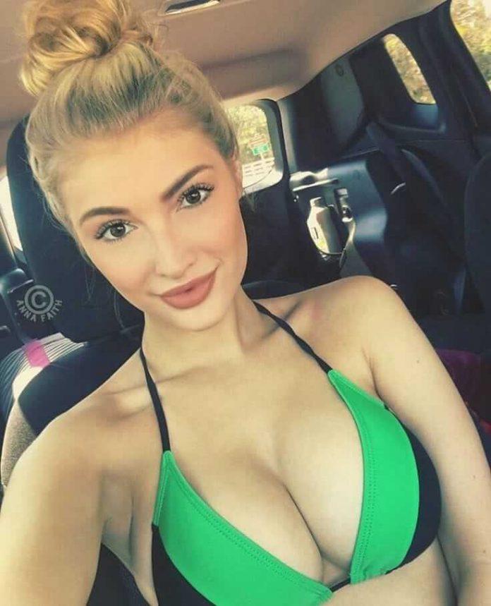 Anna Faith sexy tits pics