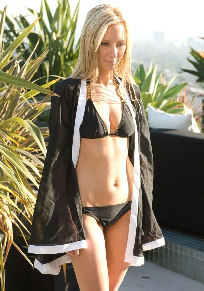Anne Heche bikini pics