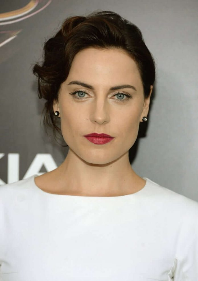 Antje Traue hot lips pics