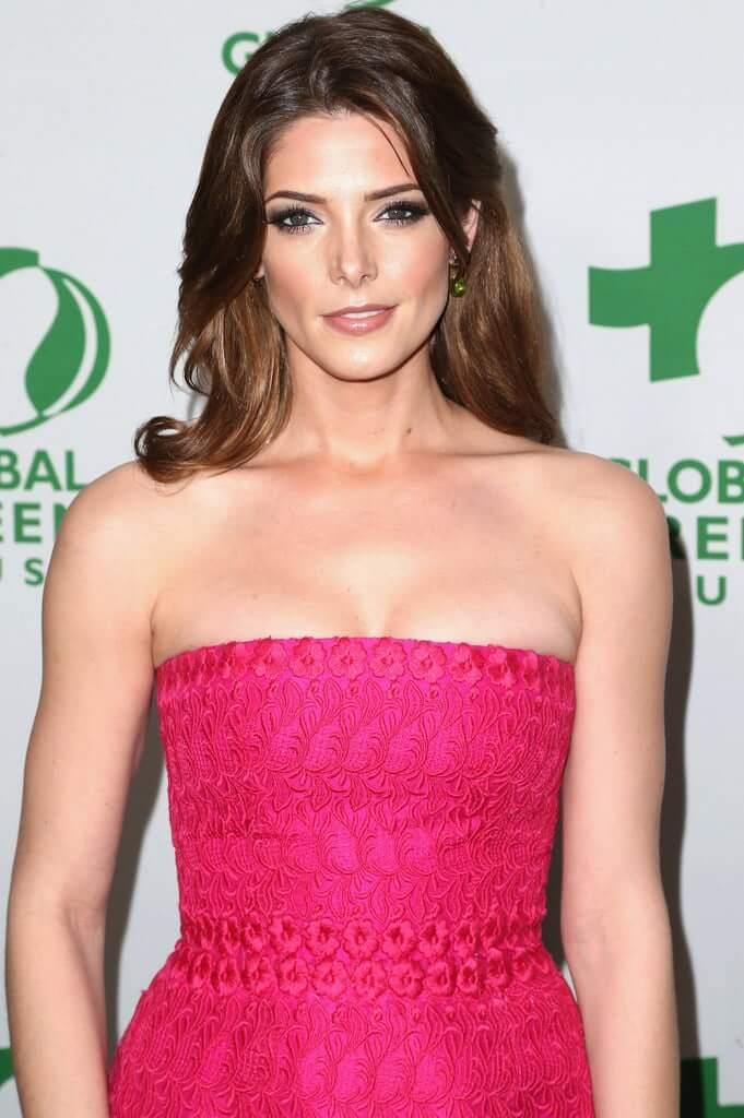 Ashley Greene sexy tits pics