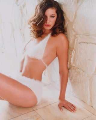Bianca Kajlich hot bikini pictures