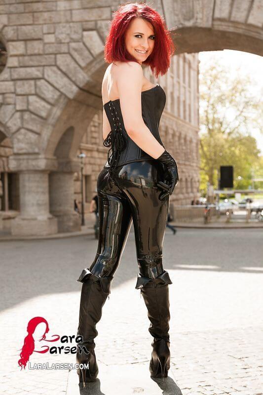 Black Widow sexy butt pics
