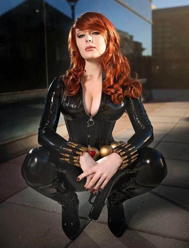 Black Widow tits pics