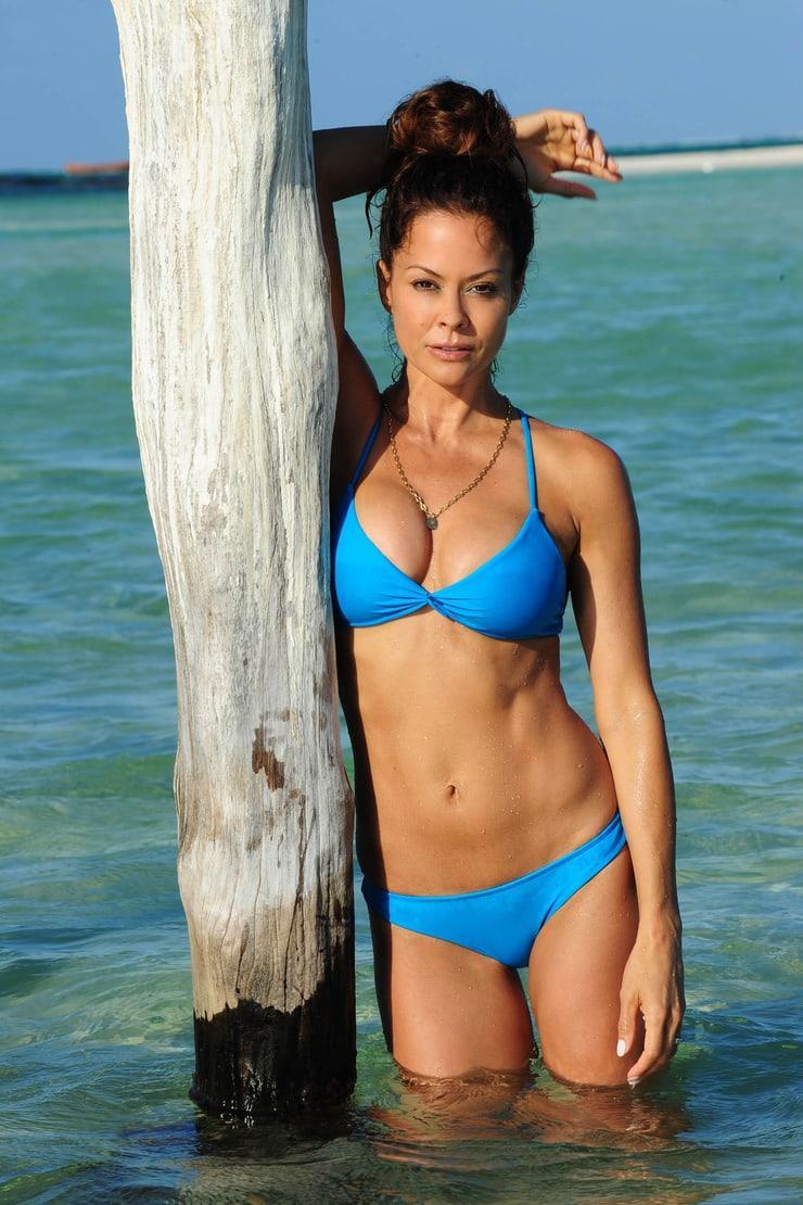 Brooke Burke-Charvet bikini pic (1)