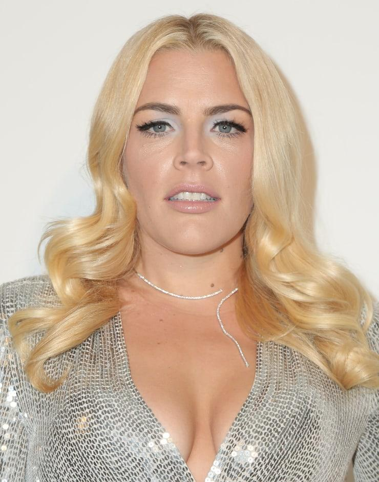Busy Philipps sexy cleavage (2)