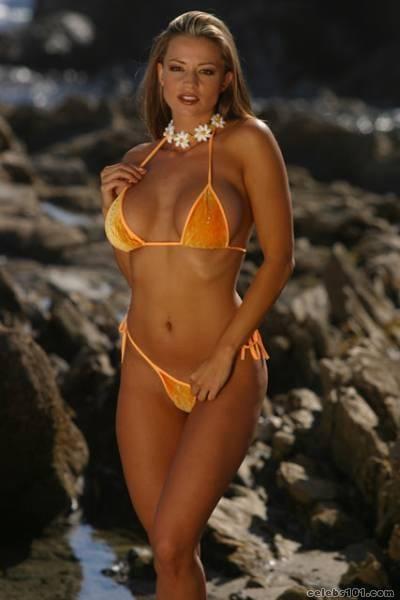 Candice Michelle sexy looks pics
