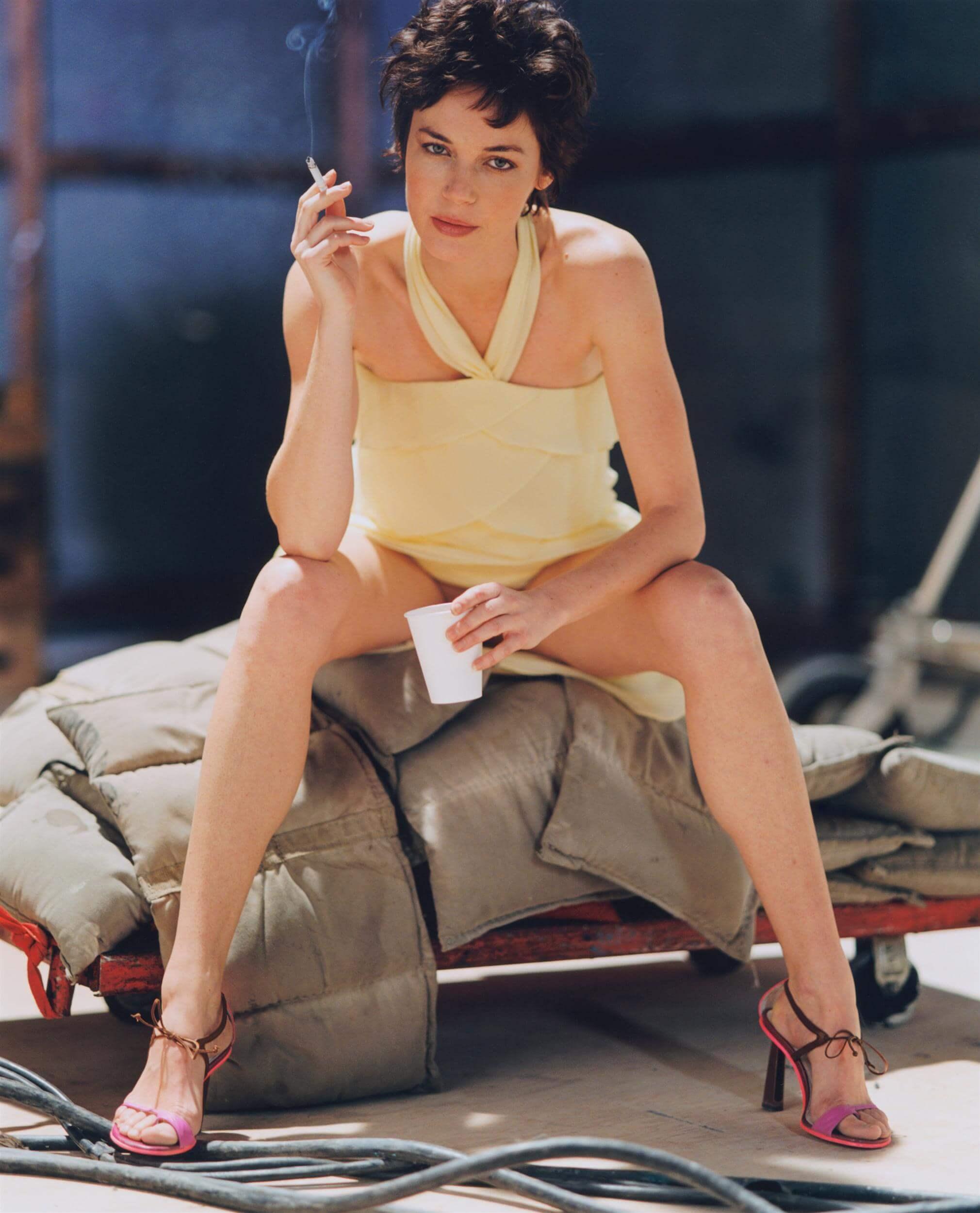 Connie Nielsen hot legs pic