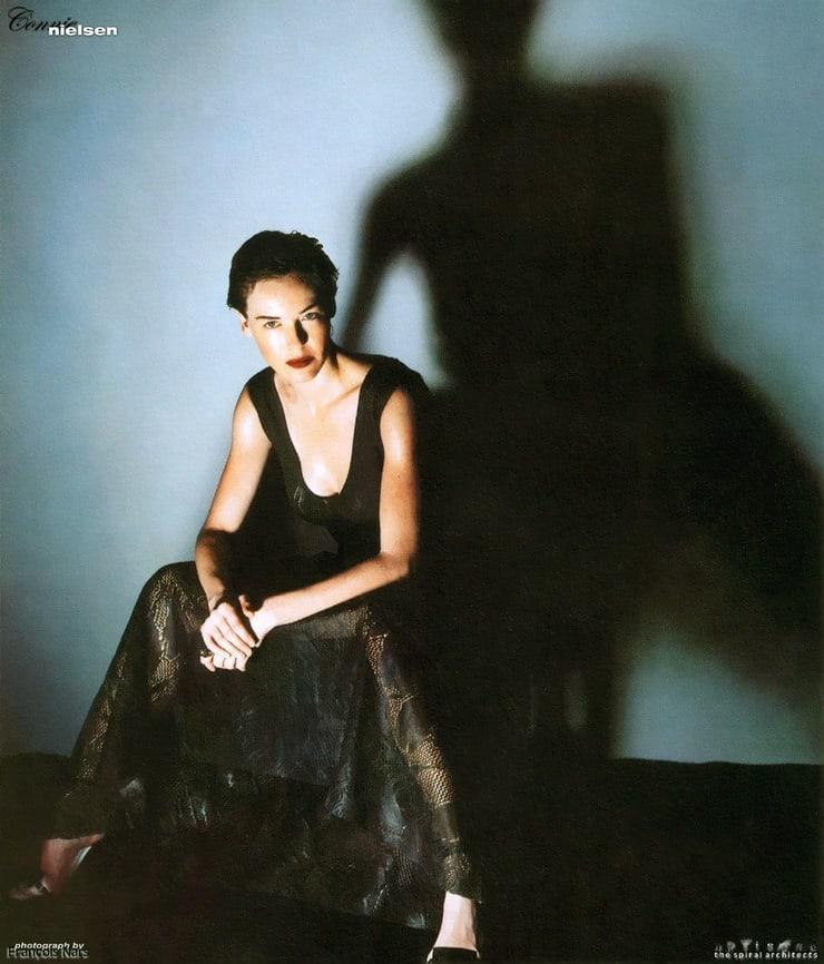 Connie Nielsen hot look pics