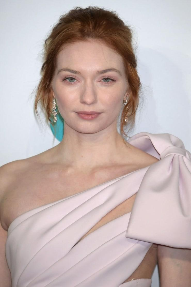 Eleanor Tomlinson awesome pic (6)