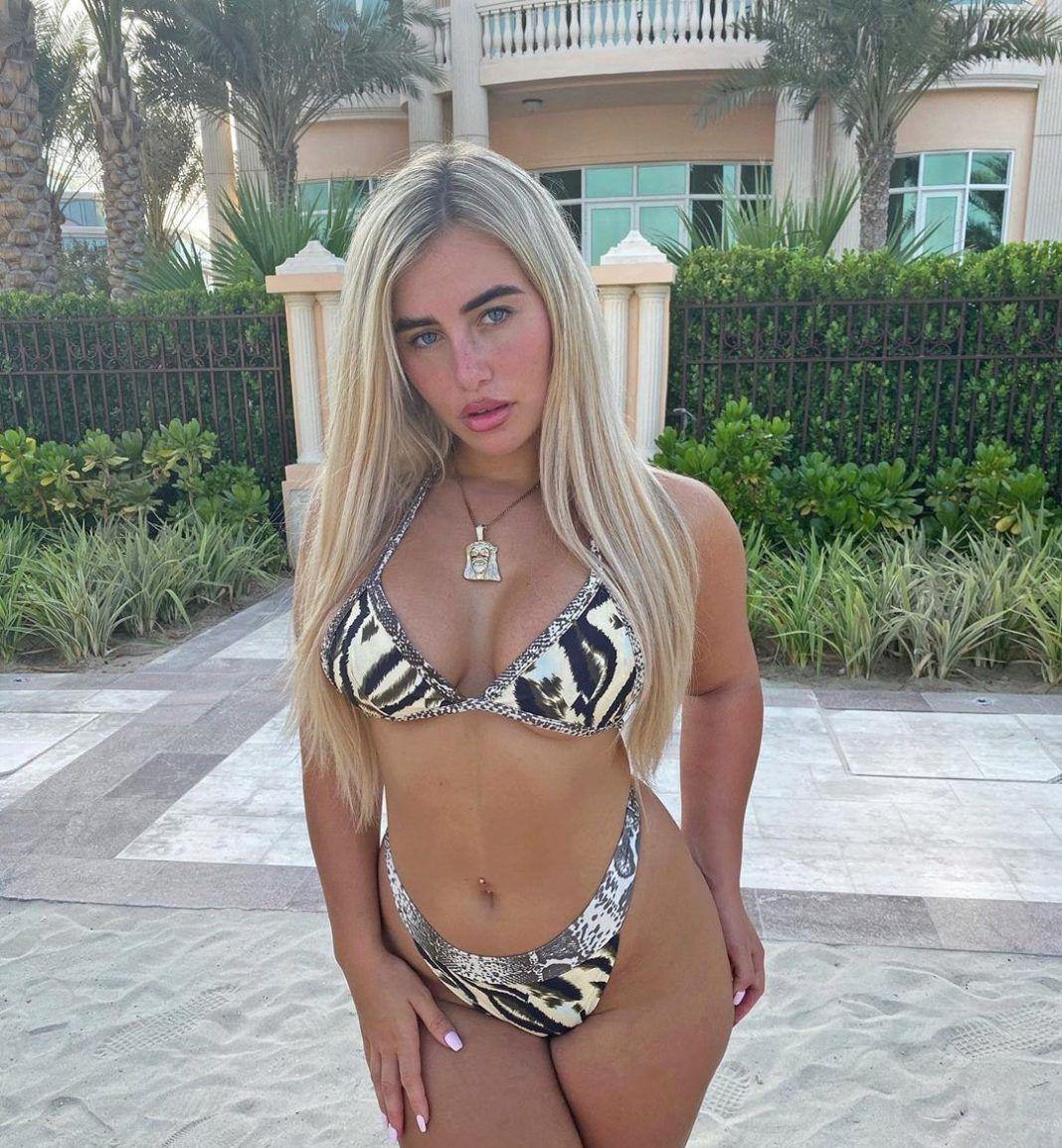 Ellie brown hot bikini pics