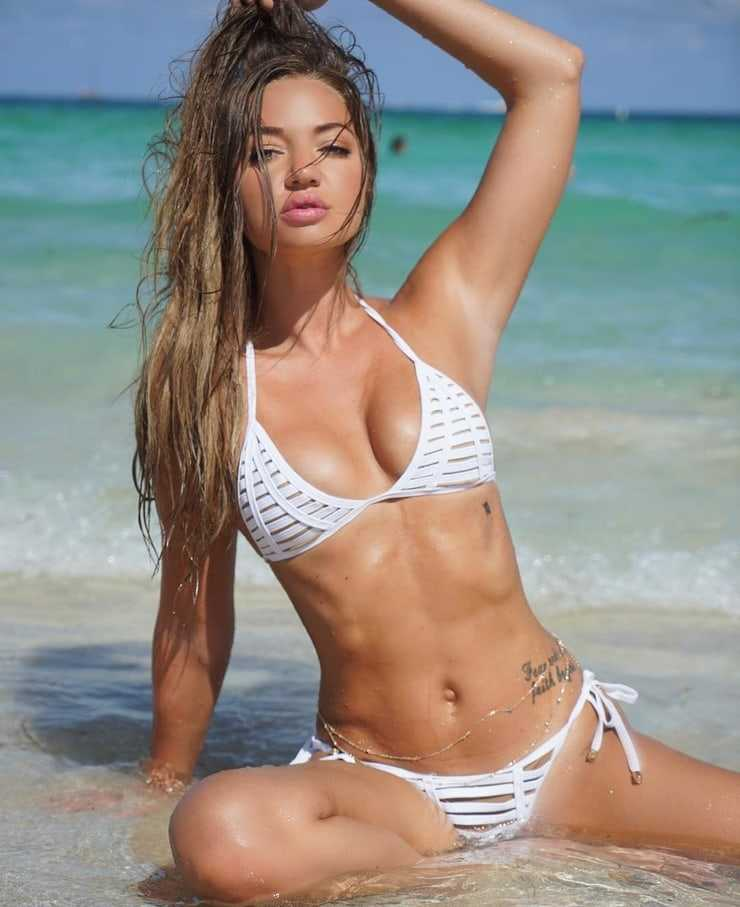 Erika Costell sexy tits pics