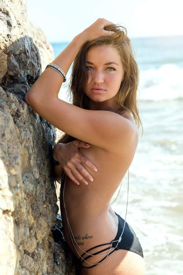 Erika Costell sexy topless pics