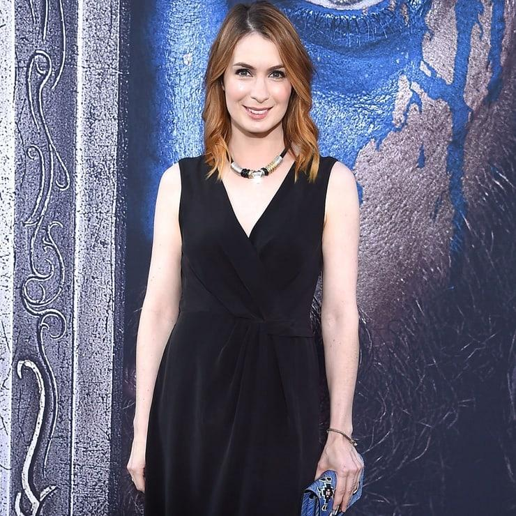 Felicia Day cleavage pics