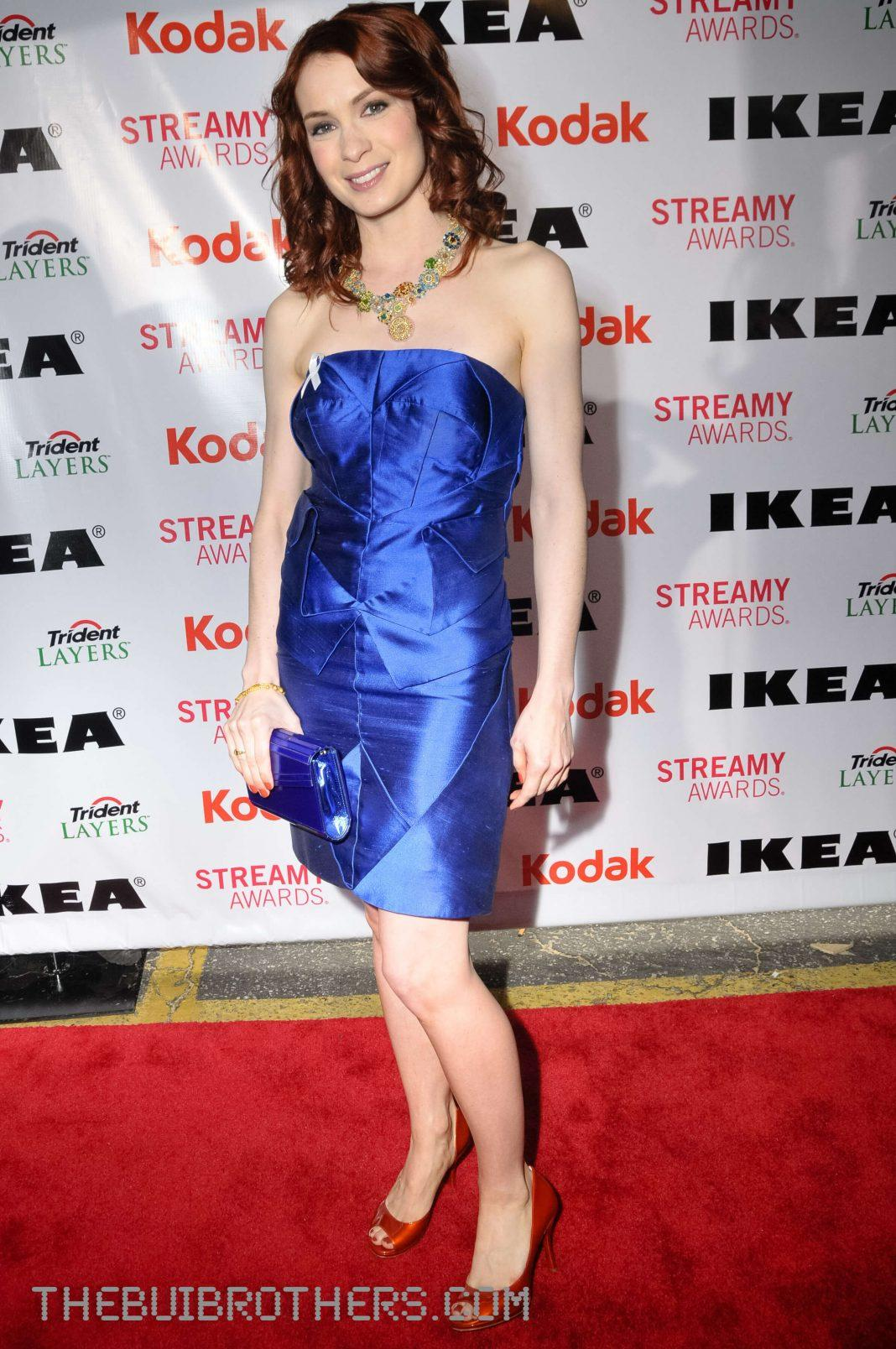 Felicia Day sexy topless pics