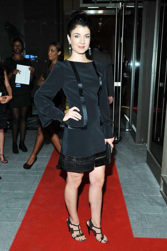 Gabrielle Miller hot legs pic
