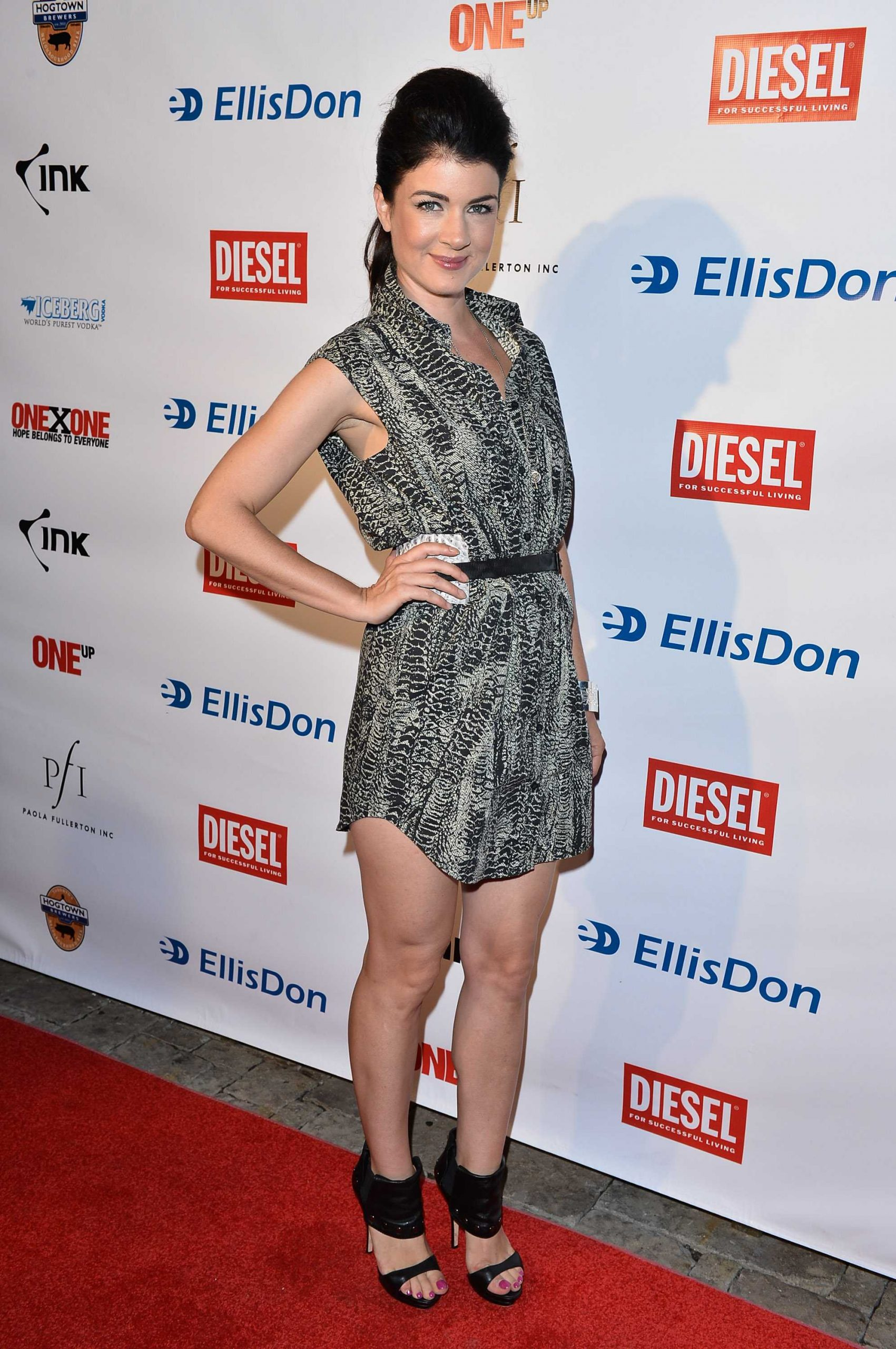 Gabrielle Miller hot look pic