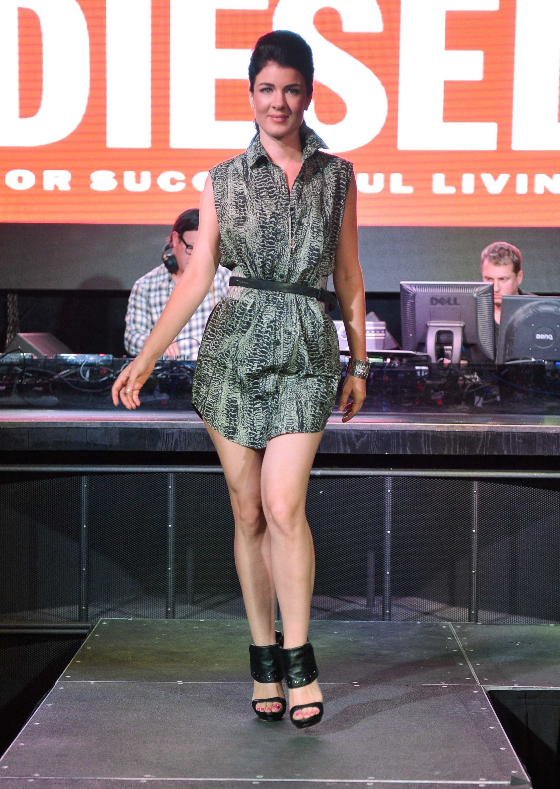 Gabrielle Miller sexy legs pic