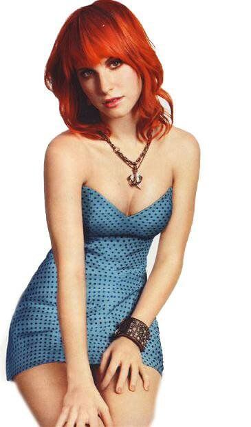 Hayley Williams sexy cleavage pics