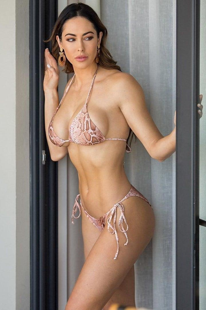 Hope Beel awesome pic (1)