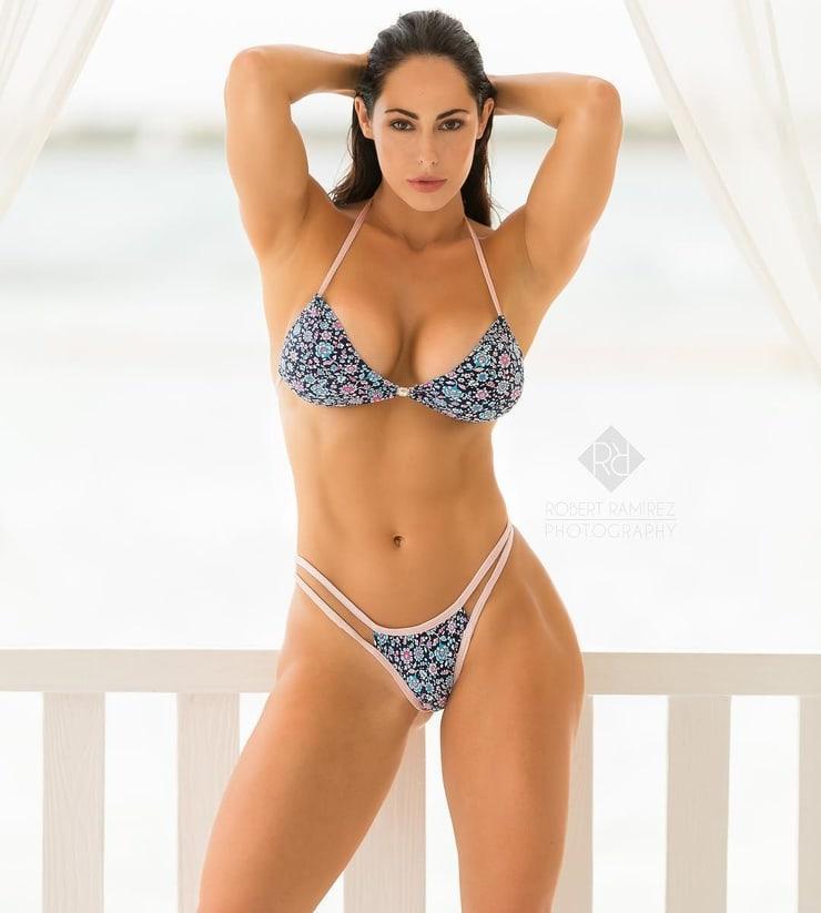 Hope Beel bikini photo (2)