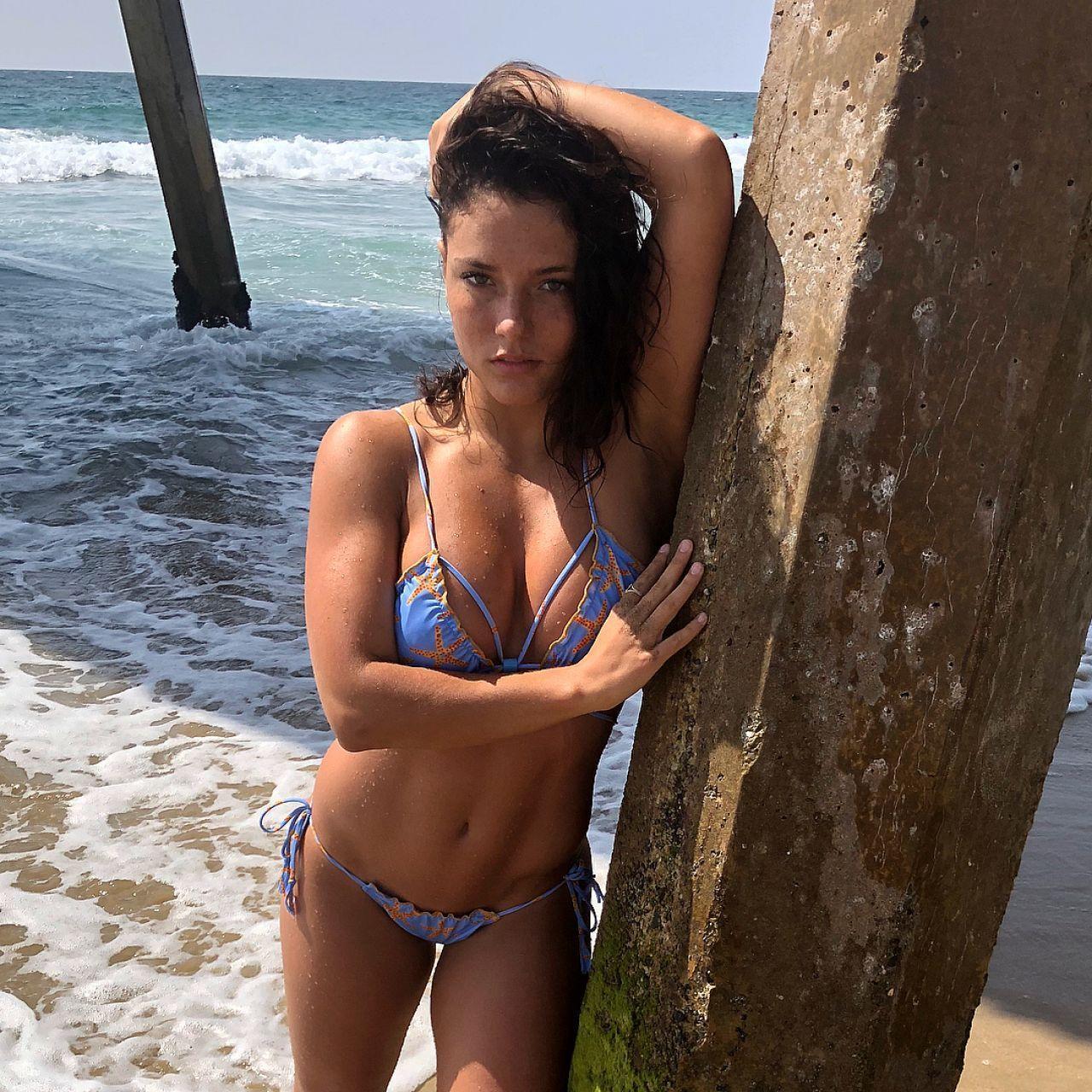Jade Chynoweth bikini pics
