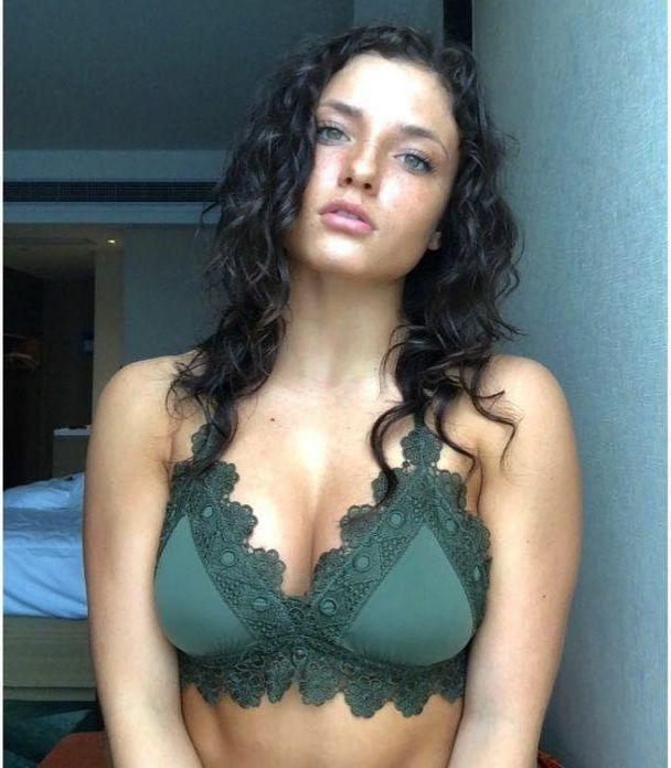 Jade Chynoweth hot pics