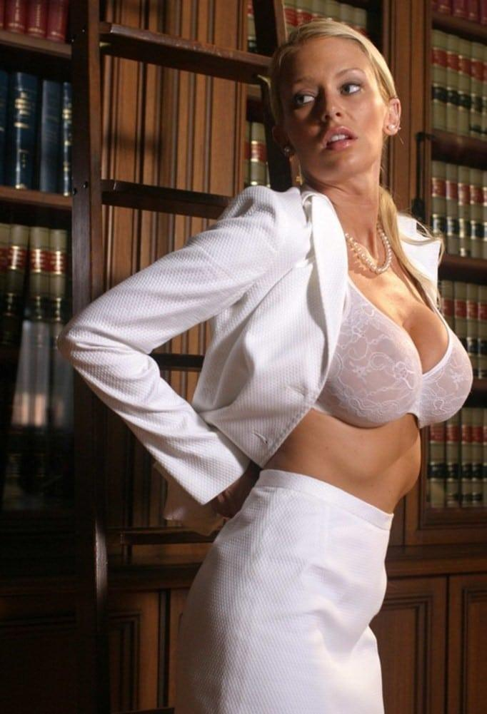 Jenna Jameson sexy side boobs pics (2)