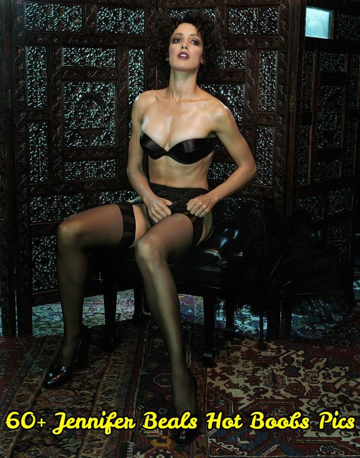Jennifer Beals hot boobs pics