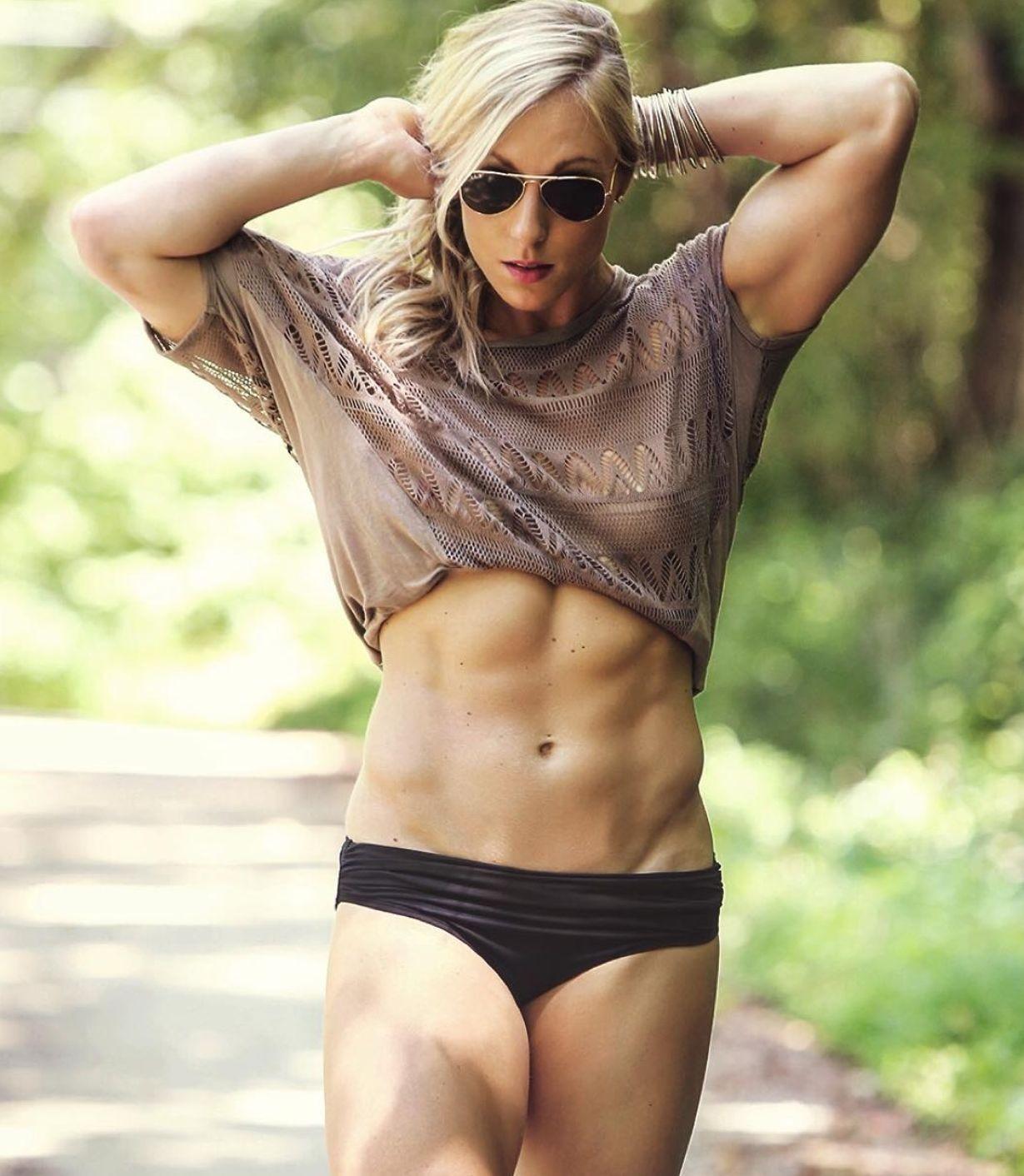 Jessie Graff sexy look (1)