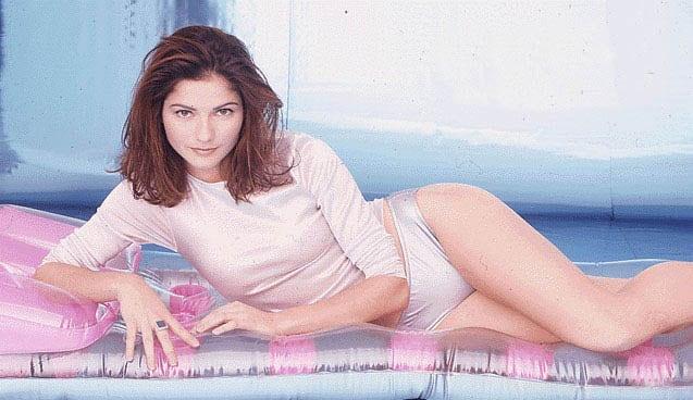 Jill Hennessy sexy thigh pics