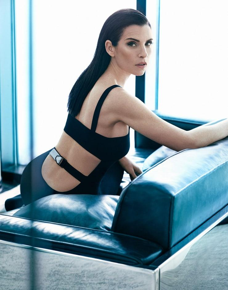 Julianna Margulies hot looks (1)