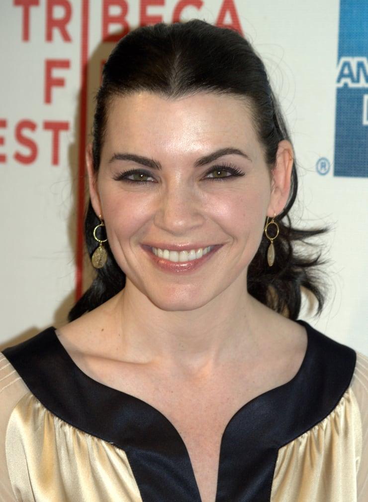 Julianna Margulies hot looks (2)