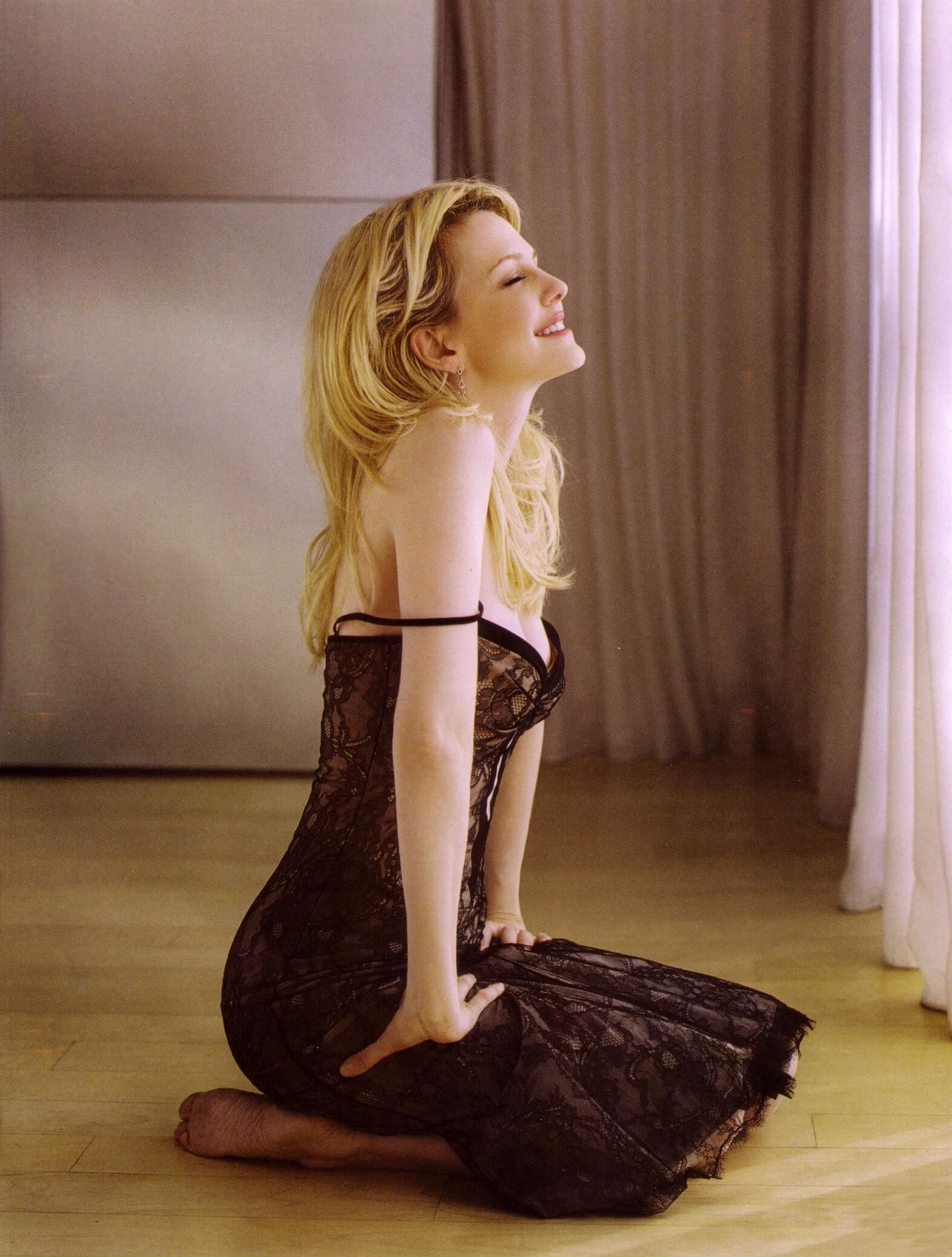 Kathryn Morris amazing boobs pics