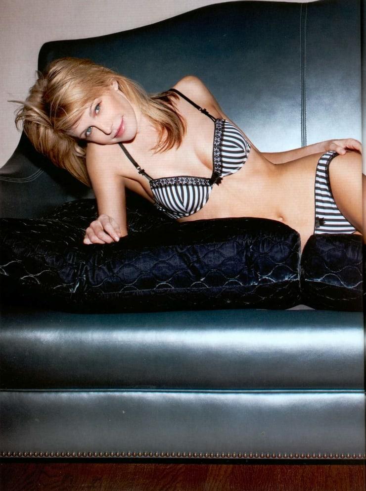 Kathryn Morris sexy bikini pictures