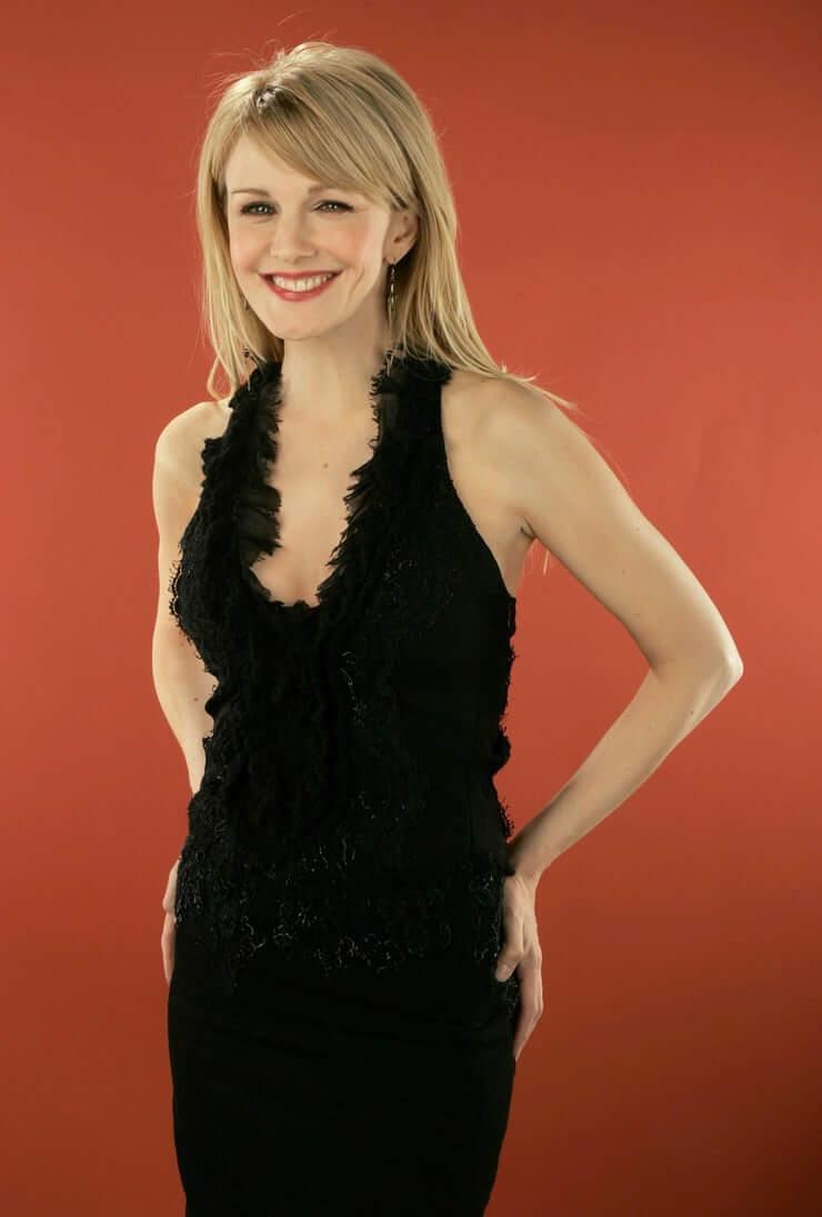 Kathryn Morris sexy look pics
