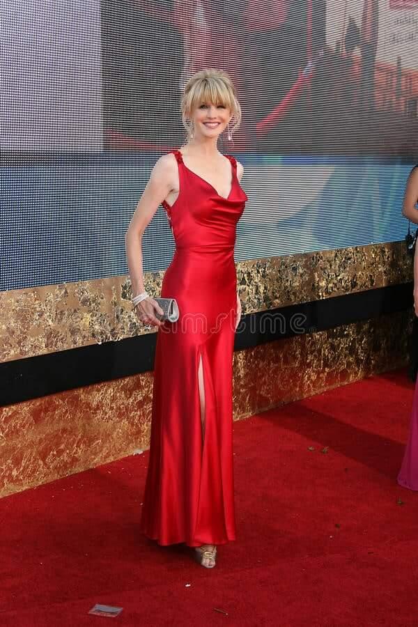 Kathryn Morris sexy red dress pics