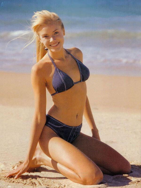 Kristanna Loken amazing bikini pics