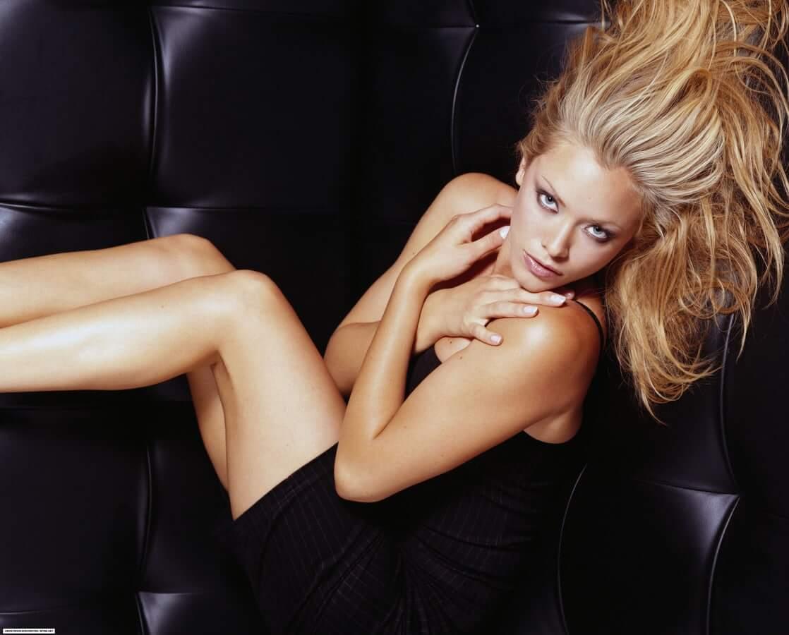 Kristanna Loken hot look pics