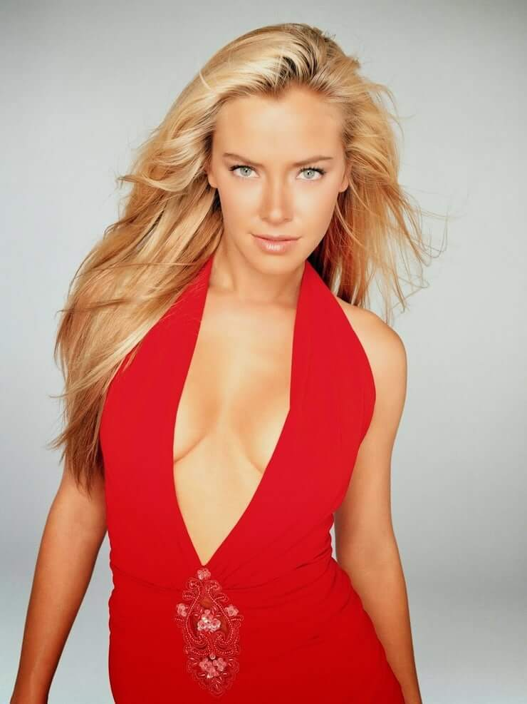 Kristanna Loken sexy cleavage pictures